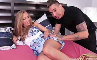 Jeanie Marie Sullivan - Exciting Mother Likes The Uber Driver