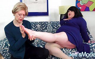 Fat Homo Bella Bendz Gets Strapon Anal by British Granny Jamie Foster