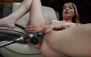Grown up uses fuck machinery for her fat pussy and ass