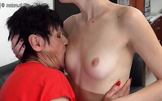 Horny Superannuated And Young Lesbians Lick Eachother Wet - MatureNL