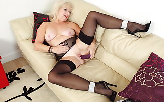 Let this UK granny seduce you with her grey hot council