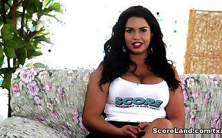 Underwrite The Scenes Tit Chat - Chloe Lamoure - Scoreland