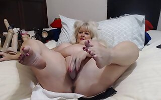 Older Lady With Big Bristols Shows Herself