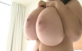 Morning Greatness Bowels - Monster tits on Polish mom