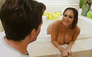 Mom enjoyin the young penis - Ava addams