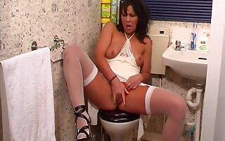Adorable brunette girl Vicky Scott spreads her legs to masturbate