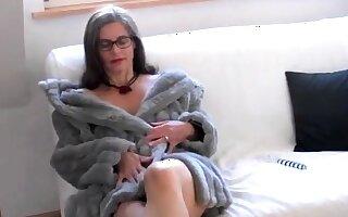 Busty Tina - (Fake) Fur (SC tickle don't delete)