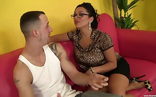 Tanned Latina mom dazzles with sexual skills