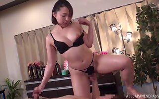 Passionate fucking superior to before the massage table with a chubby Japanese dame