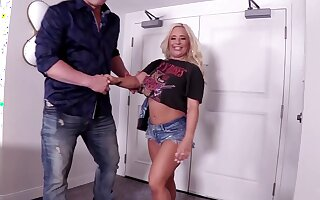 Big seat slut Jenna Lovely gets unfold and fucked by her BF