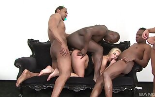 Mild Linda Ray fucked by two massive black dicks at the same time
