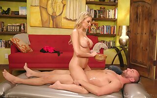 Blonde model Kenzie Taylor fucked in her wet cunt after a massage