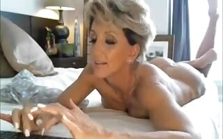 Hot Cougar Playing and Cumming Live