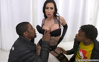 Sweetheart of big black dicks Lily Excursion enjoys crazy trilogy coition with Isiah Maxwell added to his cohort