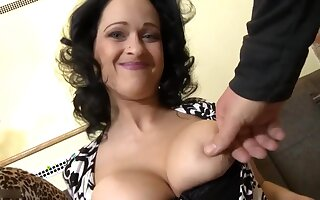 Full-Breasted Coils Mommy Make Love