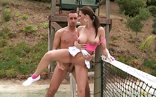 Outdoor fucking on the tennis court with handsome Jennifer Dark