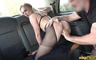 Blonde MILF gets laid with eradicate affect cab domestic servant and loves it