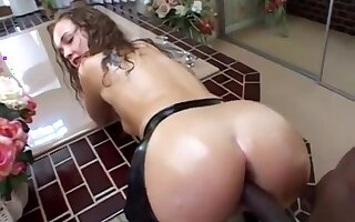 Hardcore interracial sex in the bathroom with Luisa Rosso