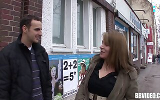 Amateur mature takes money to turtle-dove with a complete stranger