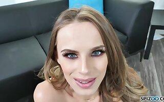 Blue- eyed beauty, Jillian Janson got surrounding on her knees to suck a fat cock