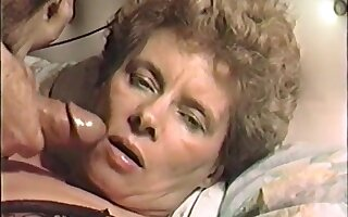 vhs porno of a hot mature milf wife facefuck jizz facial