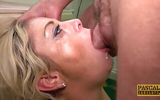 Amateur peel be proper of an older gentleman fucking X-rated MILF Kelly Cummins