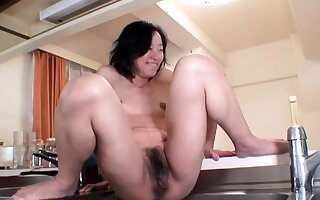 Hardcore squirt by an oiled and scheduled just about Japanese chick