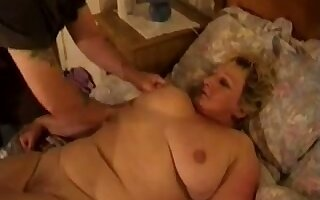 Chubby mature housewife gets her wet pussy fucked mish after BJ