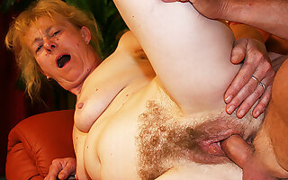 beanfeast fuck for 80 years old mom